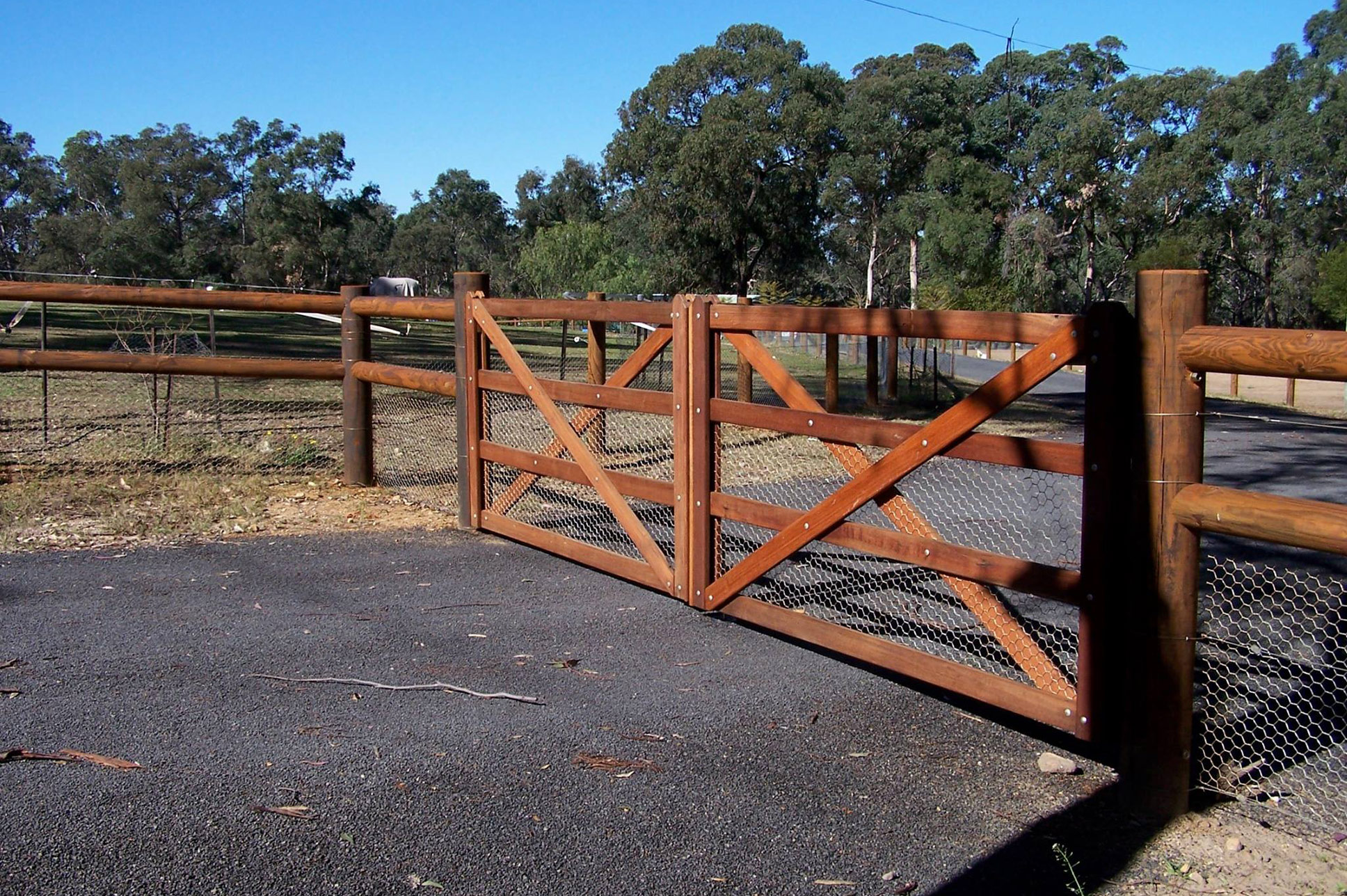 Post and rail fencing fences stockworx