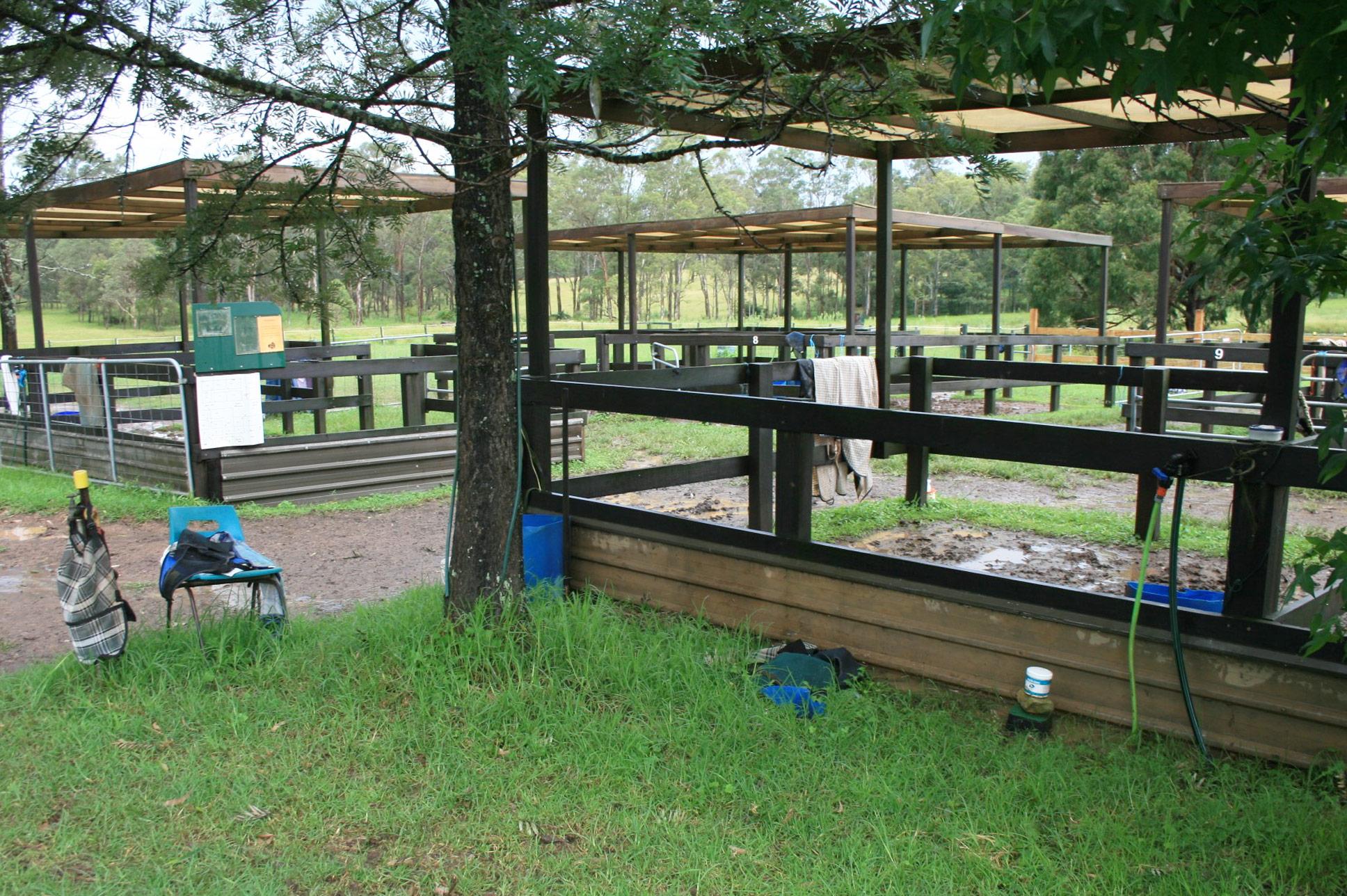Horse Paddock Shelters : Stockworx Horse Shelters